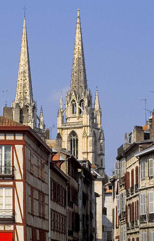 bayonne_cathedrale_site